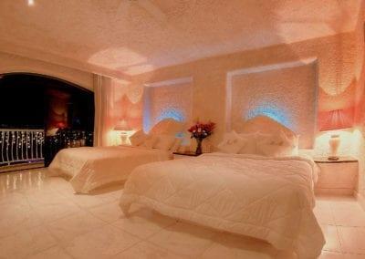 Monarch Suite – Cama Queensize y cama matrimonial